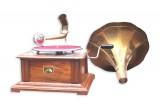 Vintage Replica 4 Corner Sagwan Wooden Working Gramophone - Model. GRM7 - (Free - 1 Pcs : 78 RPM Record & 100 Pcs Needles Box)