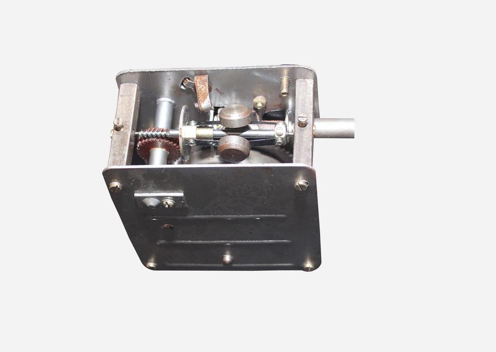 Vintage Replica 8 Corner Wooden Working Gramophone - Model. GRM3 - (Free - 1 Pcs : 78 RPM Record & 100 Pcs Needles Box)